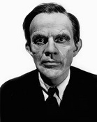 """<img src=""""Arsenic and Old Lace"""" alt=""""Arsenic and Old Lace: Raymond Massey en el papel de Jonathan'""""> (Infografía"""