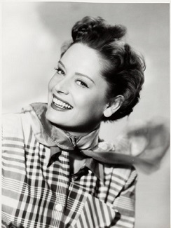 Alexis Smith en Here Comes the Groom (1951)